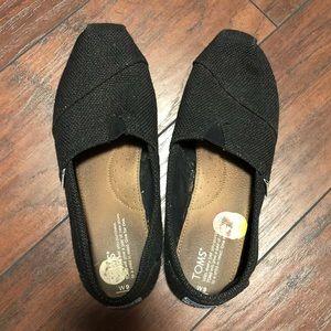 Black knit toms